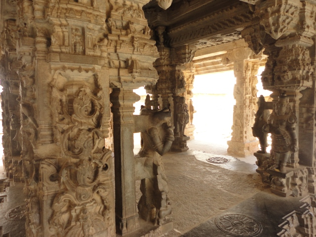 someshwara_temple_kalyana_mandapa_ornamental_pillar2c_kolar